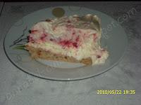 Articole culinare : Tort de inghetata de capsune si alune