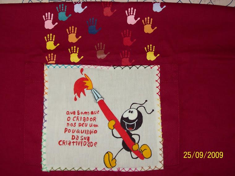 este é o meu avental das aulas de pintura