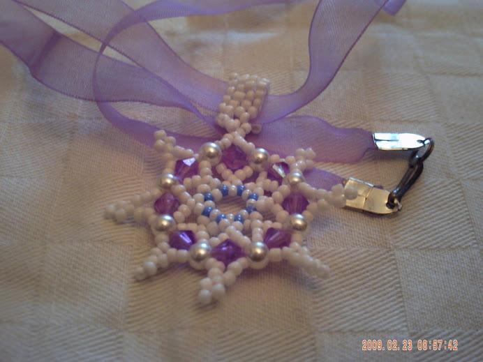 Halvány lila medál organzán