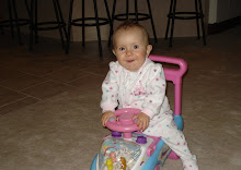 kynlee riding her new bike ok (so an early xmas present!)