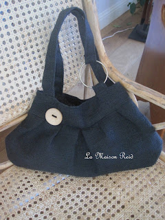 Elegant Burlap Bag in Black