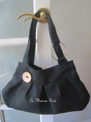 Black Burlap Bag Tutorial.  Burlap Purse, learn how to make