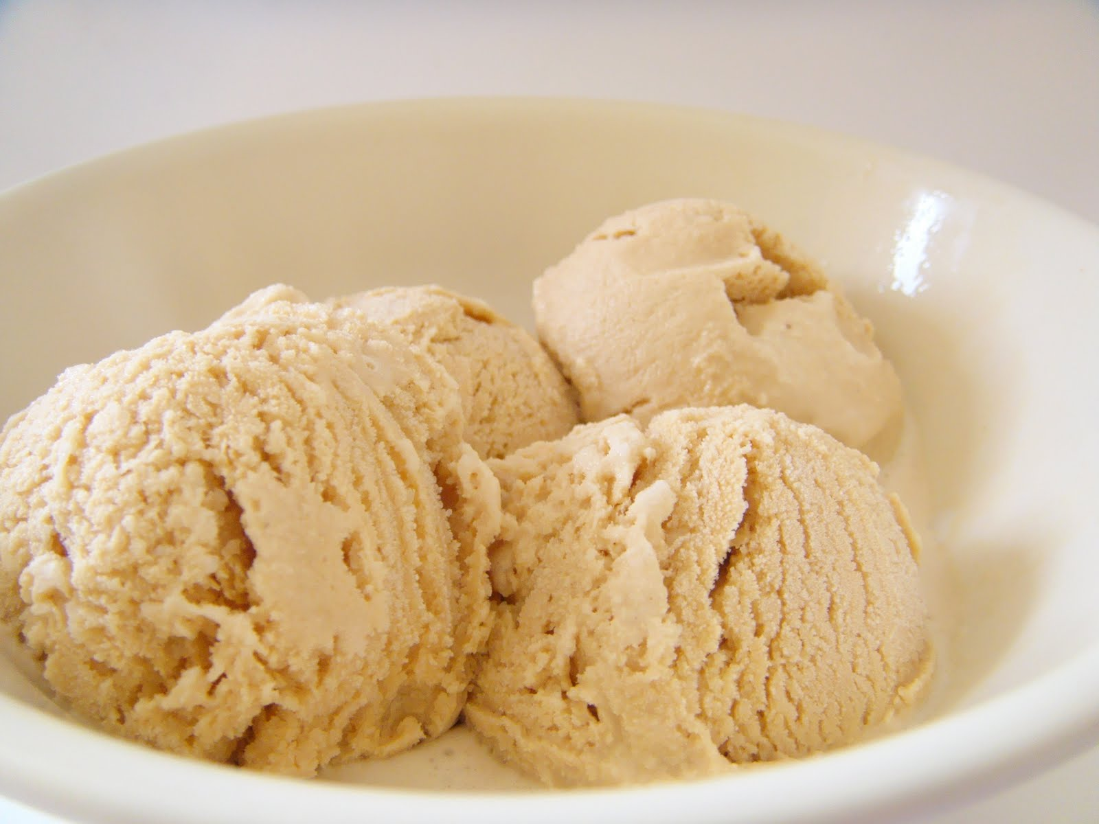 Homemade Dulce De Leche Ice Cream (No Churn) - Jessica In The Kitchen