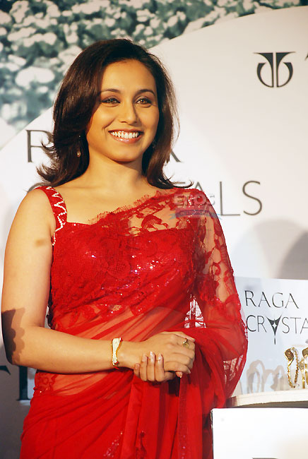 rani mukherjee hot. Rani Mukherjee hot in saree a
