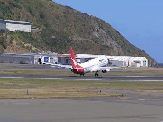 Qantas, Boeing B737-838, VH-VXA