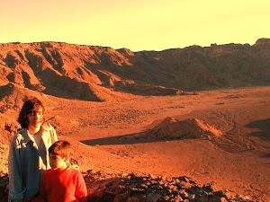 Carmen y Miguel. Nuestro primer viaje a Marte.