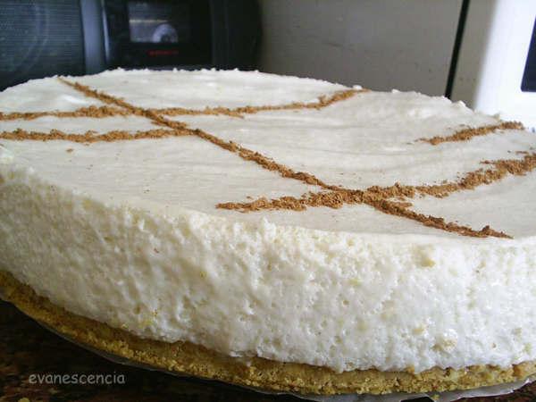 tarta mousse leche merengada de cerca