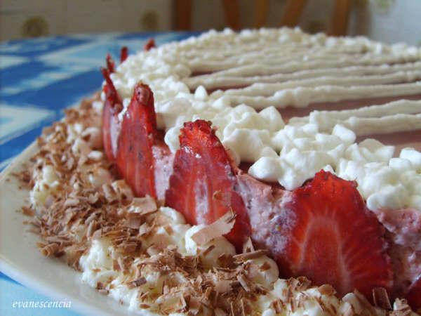 lateral tarta mousse de fresas