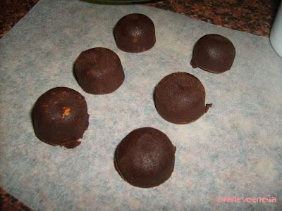 desmoldando trufas chocolate