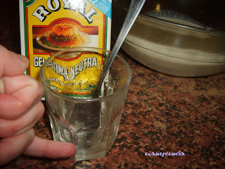 gelatina en polvo con agua