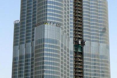Dubai-Skyscraper-051784.jpg