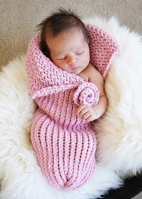 Free Knitting Pattern Baby Cocoon Pod : domestic reflections: Baby Cocoons.