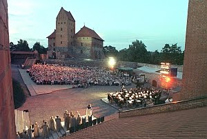 """LNOBT vasaros sezonas Trakų pilyje vėl kviečia į """"Pilėnus"""""""