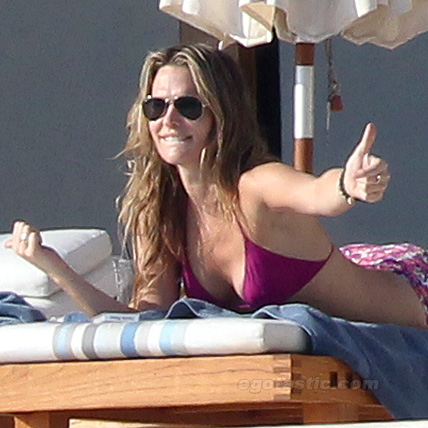 Molly Sims Bikini Pictures Rounds Out Our Day of Cabo Sexy Celebrities