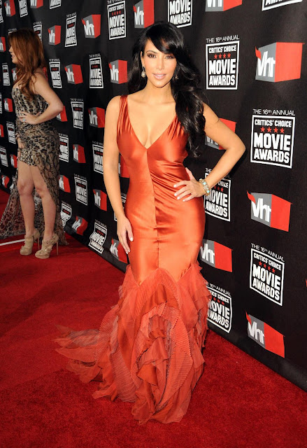 Kim Kardashian Extremely Beautifully Dressed in 16th Annual Critics Choice Movie Awards in LA On Jan 14, 2011