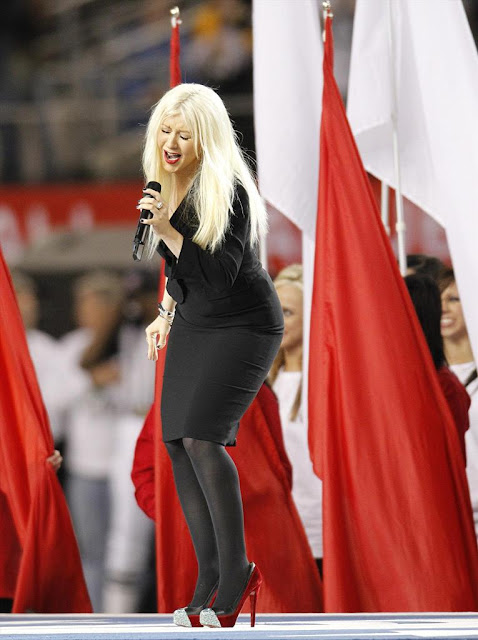 hot celebrities pics christina aguilera sexy pics while performing at super bowl XLV in dallas super hot and sexy photos