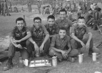 Nguyễn Tuấn, Nguyễn Hữu Phú và các bạn tại QT Quang Trung