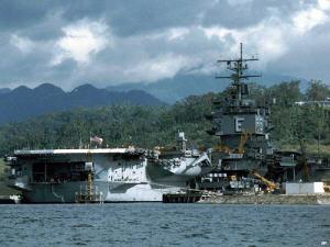 Hàng Không Mẫu Hạm Trong Vịnh Subic