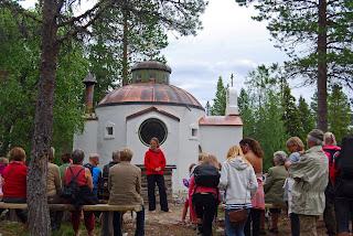 Pilegrimer ved Fotini kapell ved Lia gård på jubileusmdagen 25 juli. Foto: Aslaug Haugen