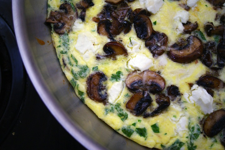 ... Dolce: Meatless Monday: Sherried Mushroom & Goat Cheese Frittata