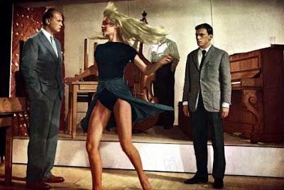 Brigitte Bardot, dans Et Dieu créa la femme, de Vadim, 1956 - BB, La femme et le pantin, Le Mépris, par Vadim, Viva Maria, Le repos du guerrier, Gainsbourg : Bonnie and Clyde - Gainsbourg, une vie héroïque, Bardot jouée par Claudia Schiffer - Blog with a View - Thierry Follain
