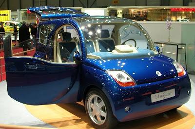 Voiture électrique Blue Car, par Bolloré et Pininfarinna - Blog Développement durable Terre Natale - www.terrenatale;blogspot.com