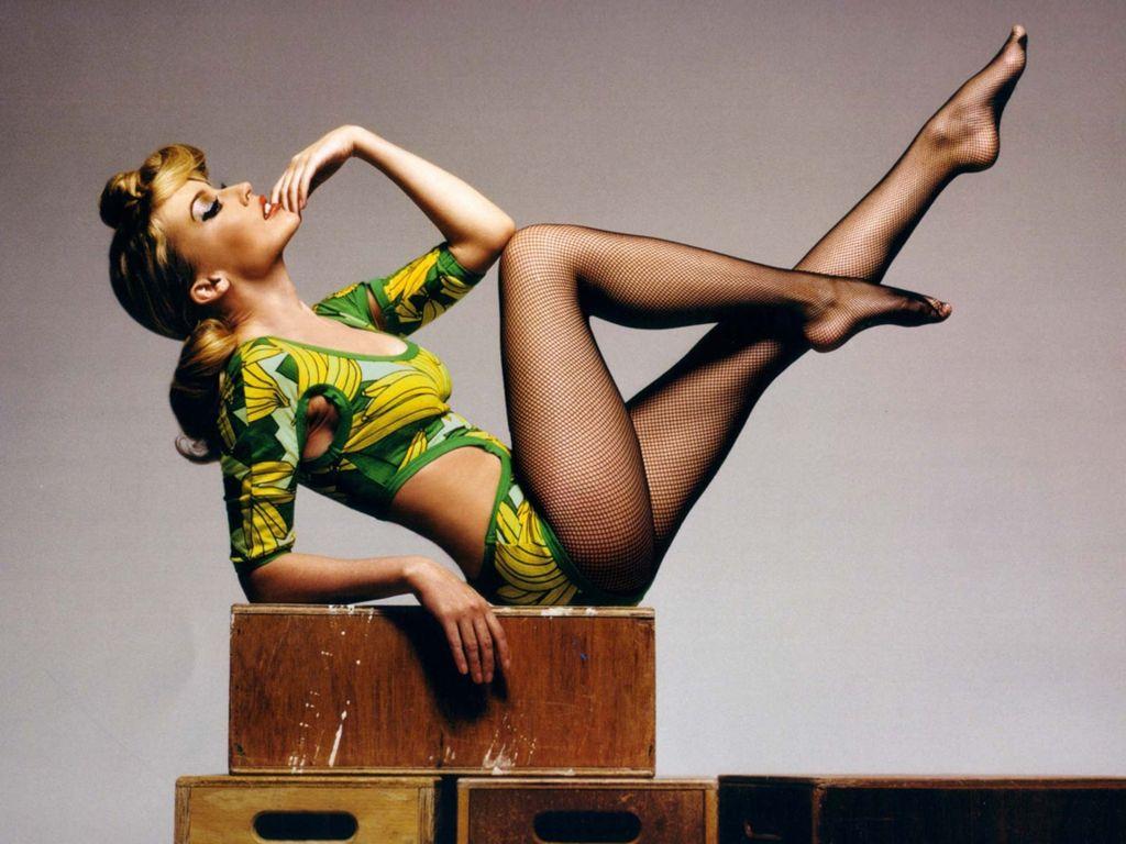 http://2.bp.blogspot.com/_2tJUVWw1ybU/TKPMS-aEnSI/AAAAAAAAA0w/HvPVuvc7zwo/s1600/Kylie-Minogue-145.jpg