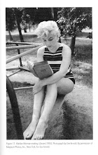 Marilyn leyendo!