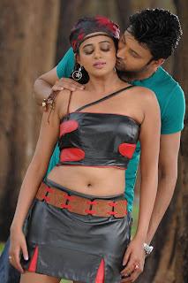 http://2.bp.blogspot.com/_2yYM328mCbk/TT7WxytSbfI/AAAAAAAAE9c/0JpsjVqYSfw/s320/Telugu+Movie+Raaj+New+Photogallery_7.jpg