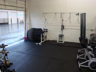 The garage gym post