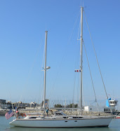 LONE STAR leaving marina in La Rochelle