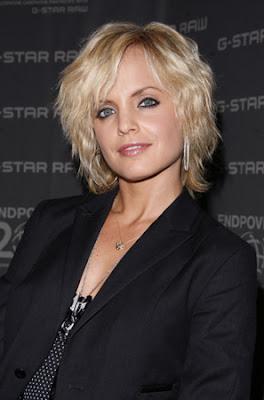 http://2.bp.blogspot.com/_30PRmkOl4ro/S3AWyG2bg7I/AAAAAAAAZ4A/Z2bpwECfoXA/s400/Modern+hair+styles+for+women+in+spring+2010.jpg