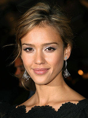 jessica alba blonde highlights. jessica alba hair highlights