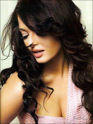 Aishwarya Rai Red Hot Verve Magazine Scans 2009
