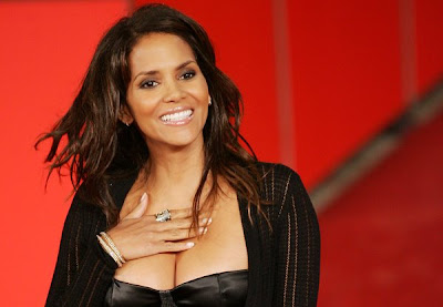 Fashion Stylists Salary on African American Hairstyle  Halle Berry Hairstyles For African
