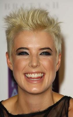 http://2.bp.blogspot.com/_30PRmkOl4ro/SyzGbyNI8FI/AAAAAAAAYwQ/7qRGruqm5Vc/s400/short-blonde-haircut.jpg