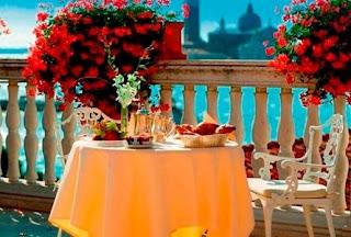 Hoteles, restaurantes, cafeterias... del mundo! Grand-Lagon-Suite---Terrac