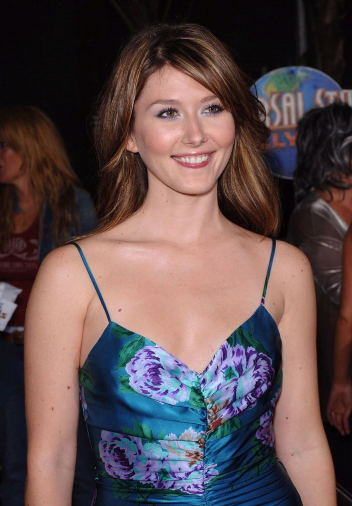 Jewel Staite - Wallpaper Gallery