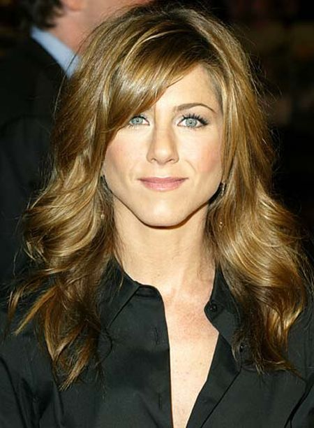 jennifer aniston new haircut with bangs