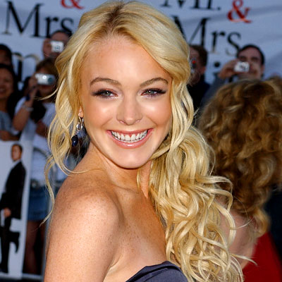 Haircuts Fashion: Lindsay Lohan Long Curly Blonde Hairstyles