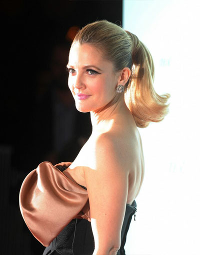 Labels: Celebrity Haircuts, Drew Barrymore, Medium Hairstyles,