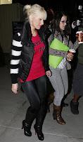 Christina Aguilera: Clown In Leggings
