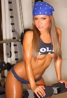 Jessica Burciaga is a Sexy Fitness Coach