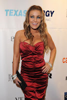 Carmen Electra Gives A Free Peak