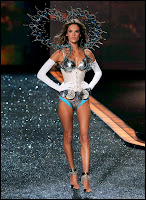 The Pictures From The Victoria's Secret Fashion Show