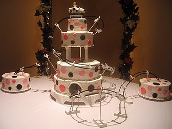 WEDDING CAKES,The Roller Coaster Wedding Cake