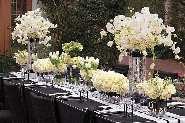 La belle mariee black white tablescapes for Deco table argent et blanc