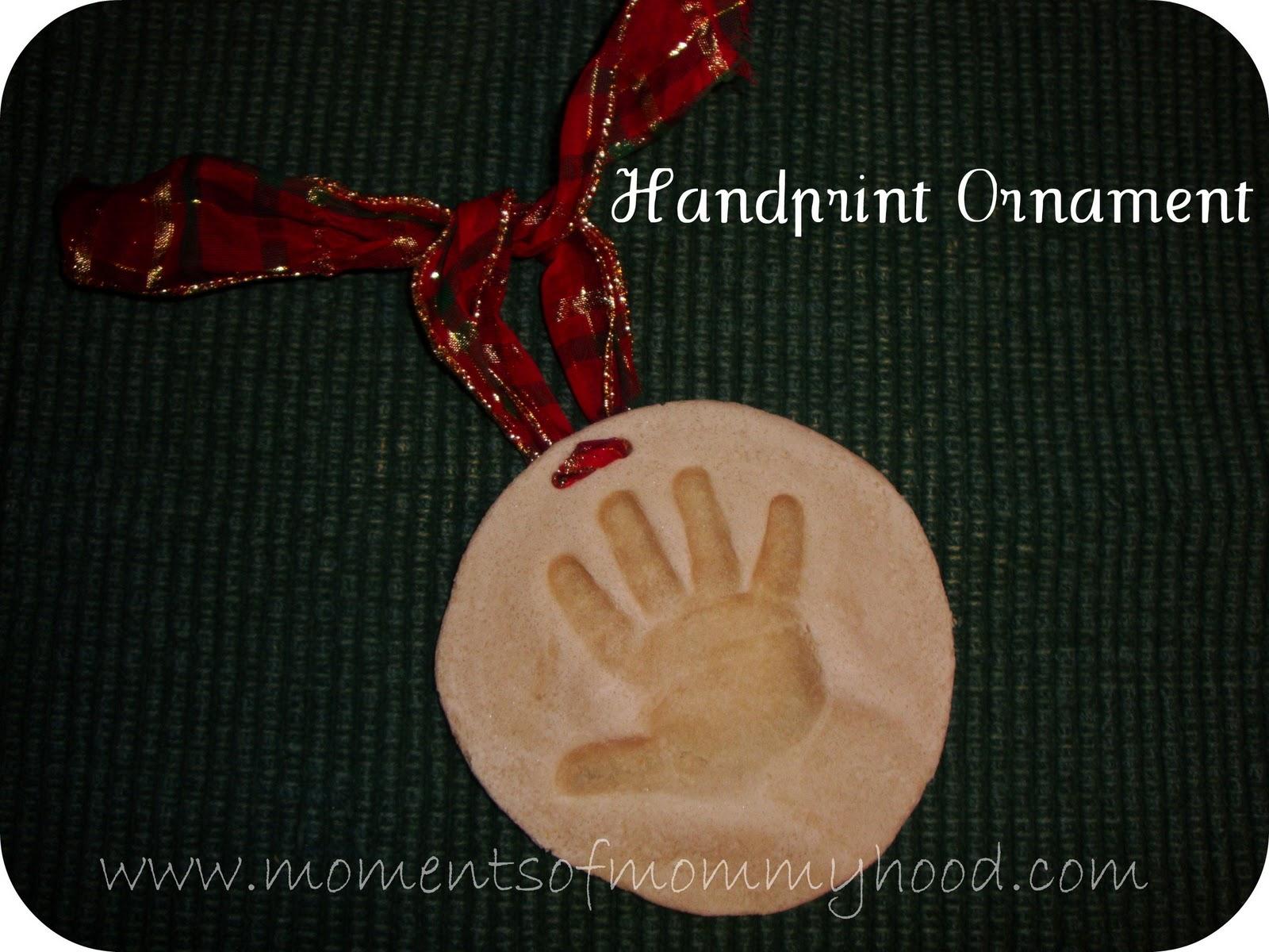 Moments of mommyhood keepsake ornament keepsake ornament handprint solutioingenieria Images