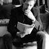 """""""Tout est sans contrôle"""" : un roman d'espionnage signé... Hugh Laurie !"""