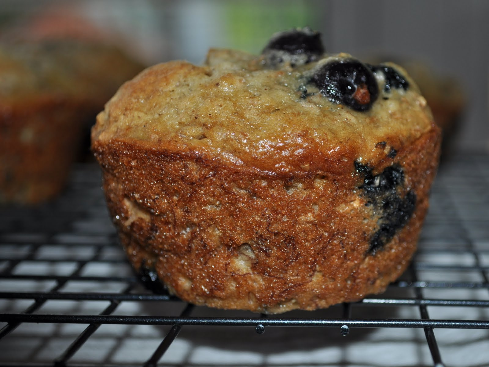 Vanilla Bean Cafe: Whole Wheat Banana Blueberry Bran Muffins